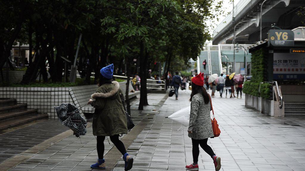 角の帽子を被った台北女子