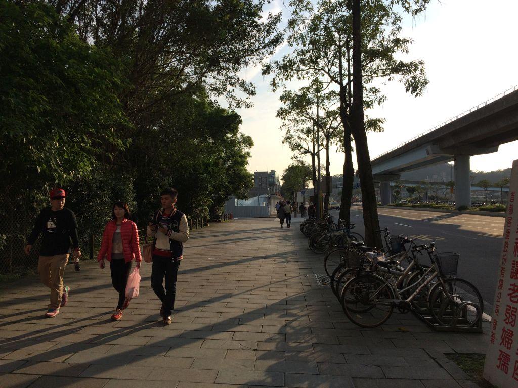 動物園站から猫空纜車動物園站(猫空ロープウェイ乗り場)までの道