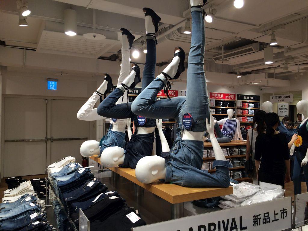 台湾のユニクロのマネキン人形