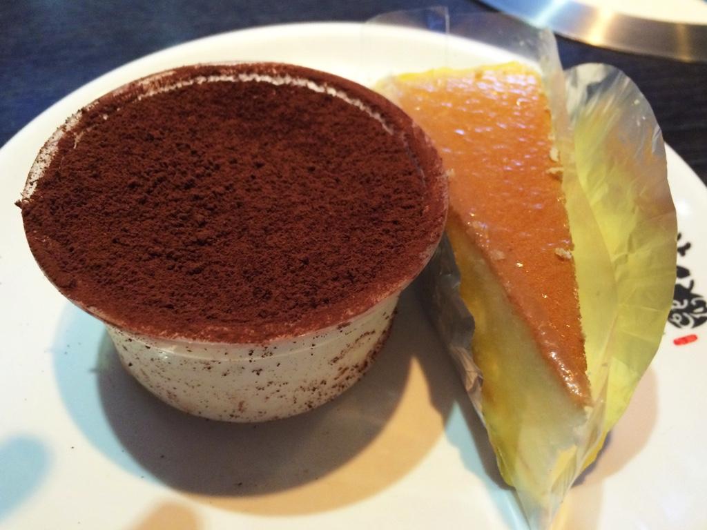 チーズケーキとティラミス