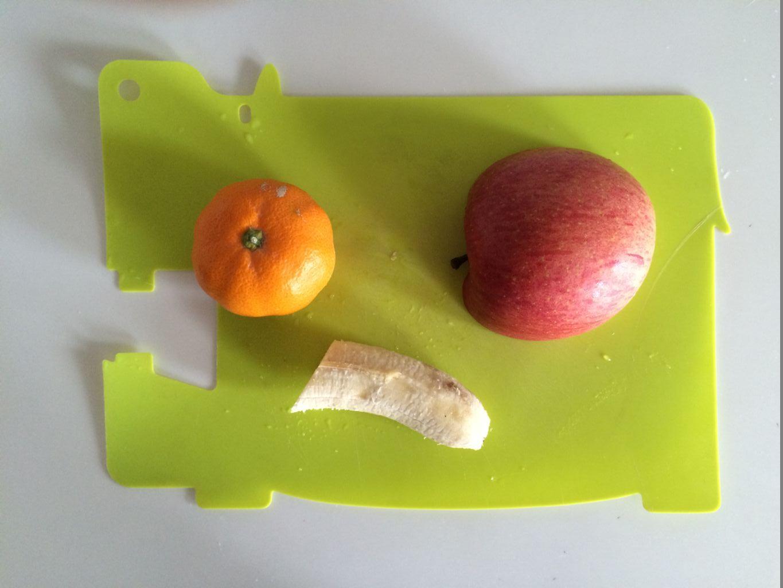 カットする果物