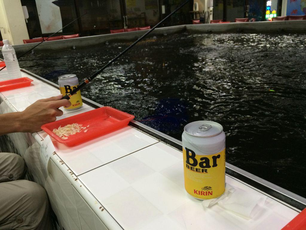 ビールを飲みながら釣り