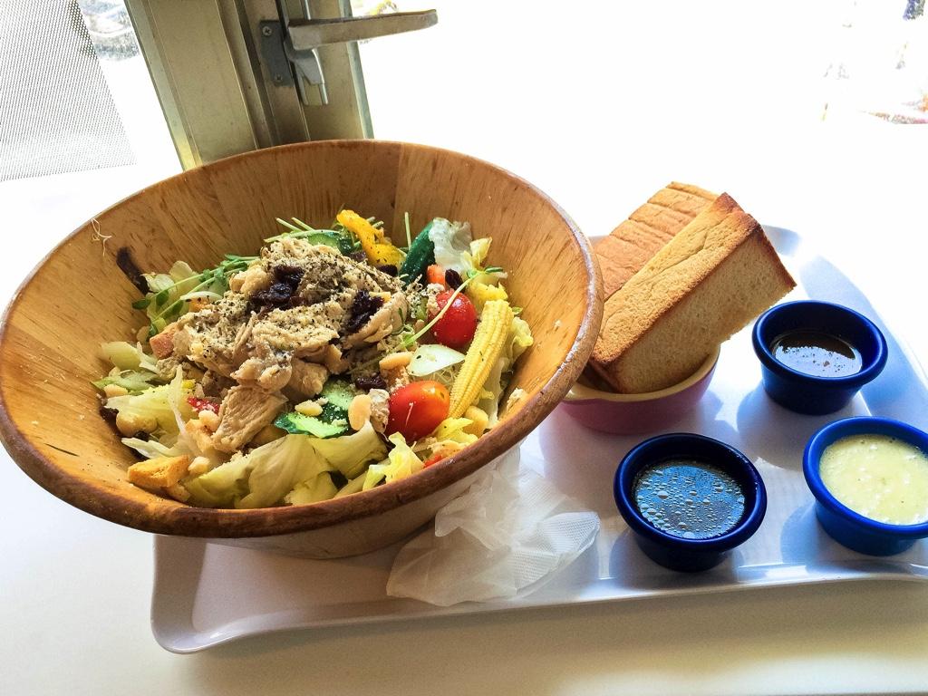 雞肉木盆沙拉(チキンサラダボウル)