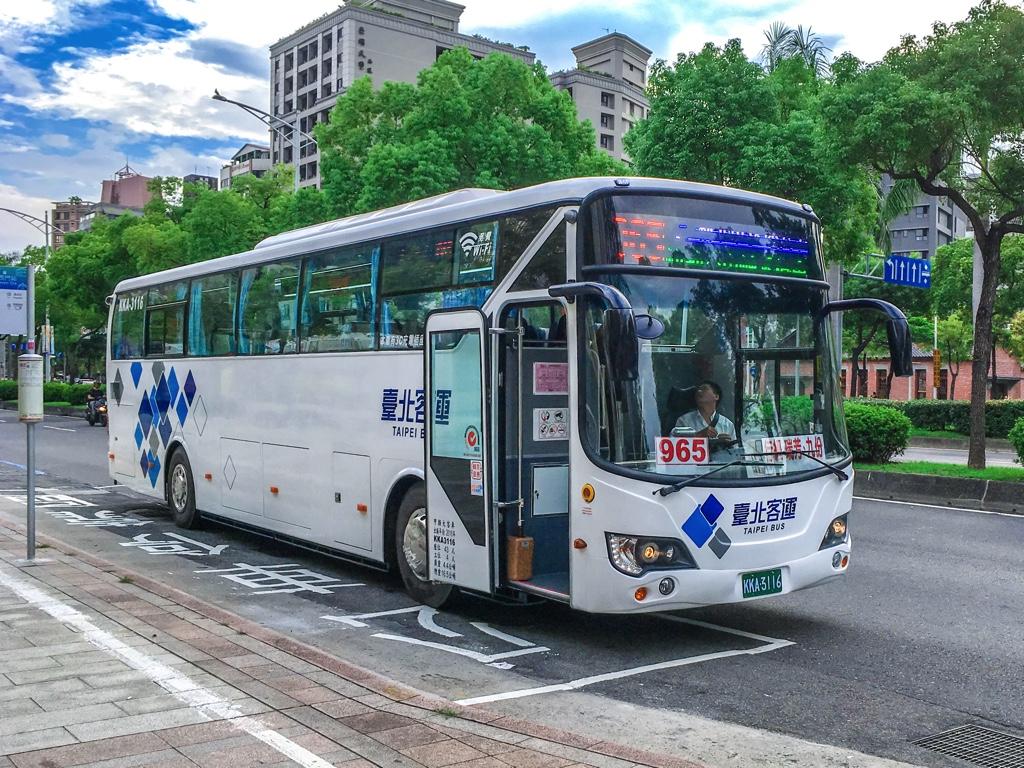 965路線のバス