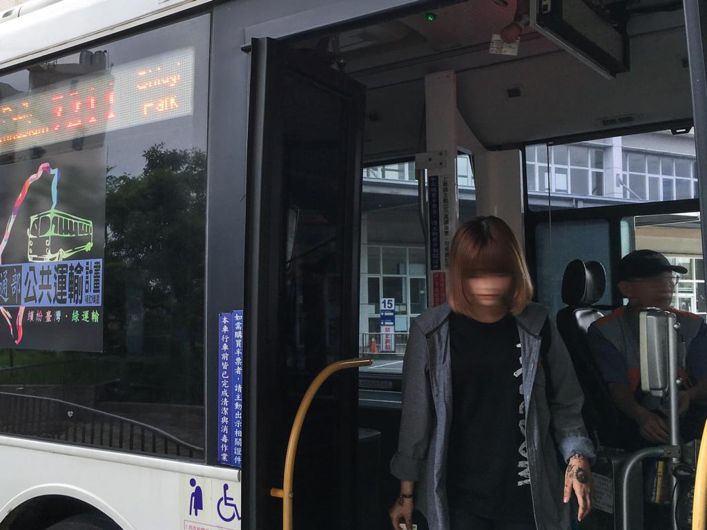 バスの出入口