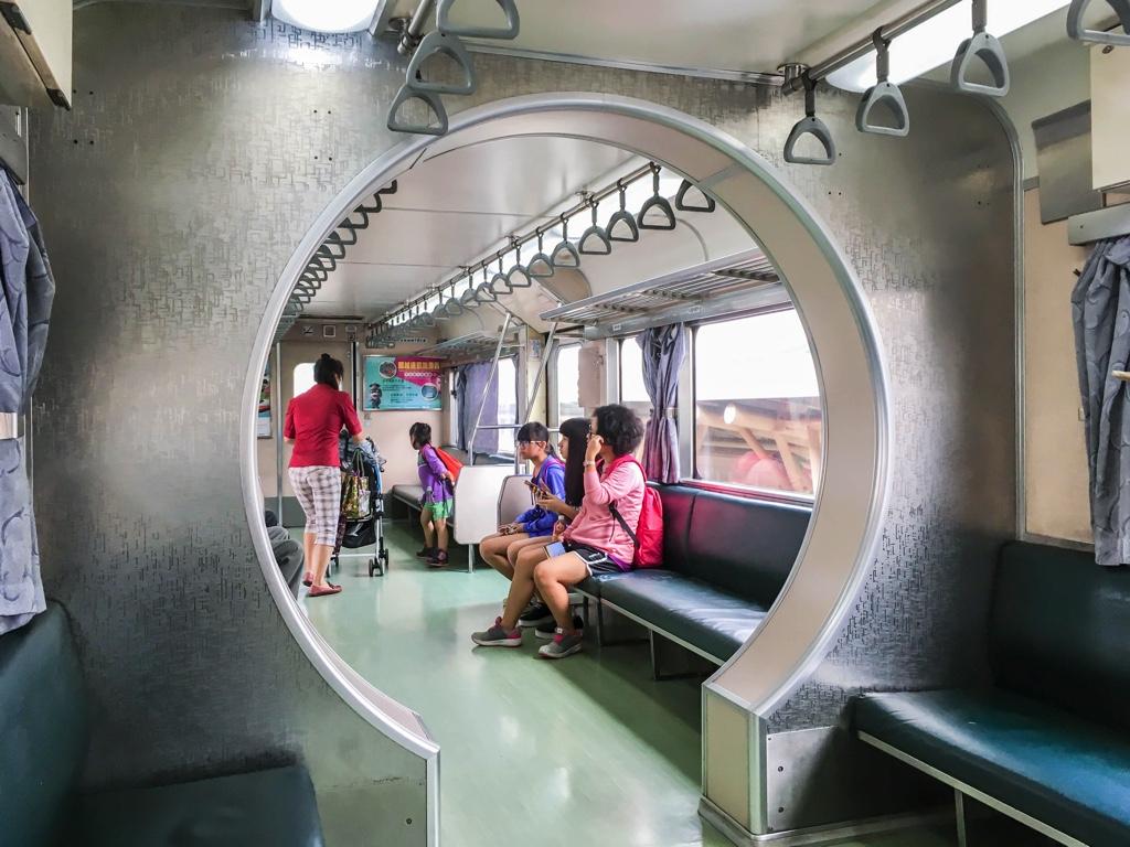 內灣線の車両内
