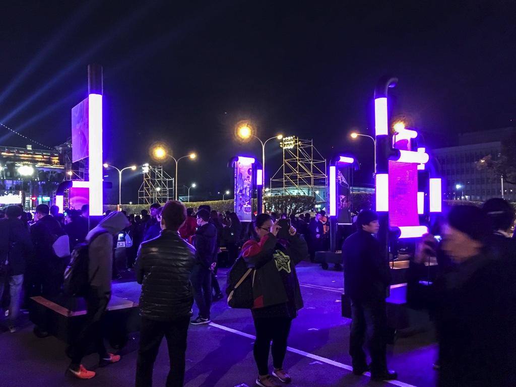 総統府前の広場