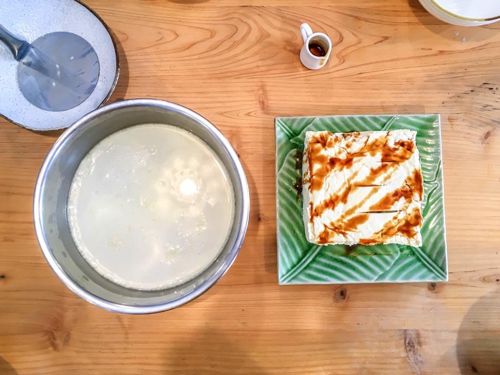 できあがった豆花と豆腐