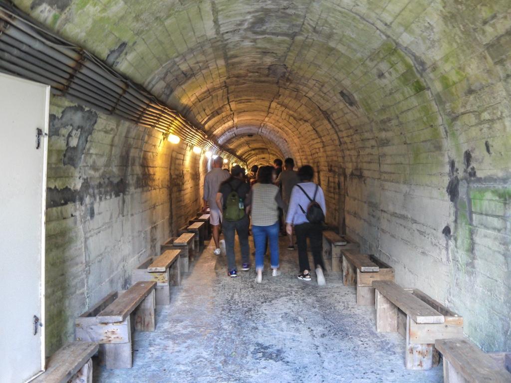 亀山島の軍事坑道内