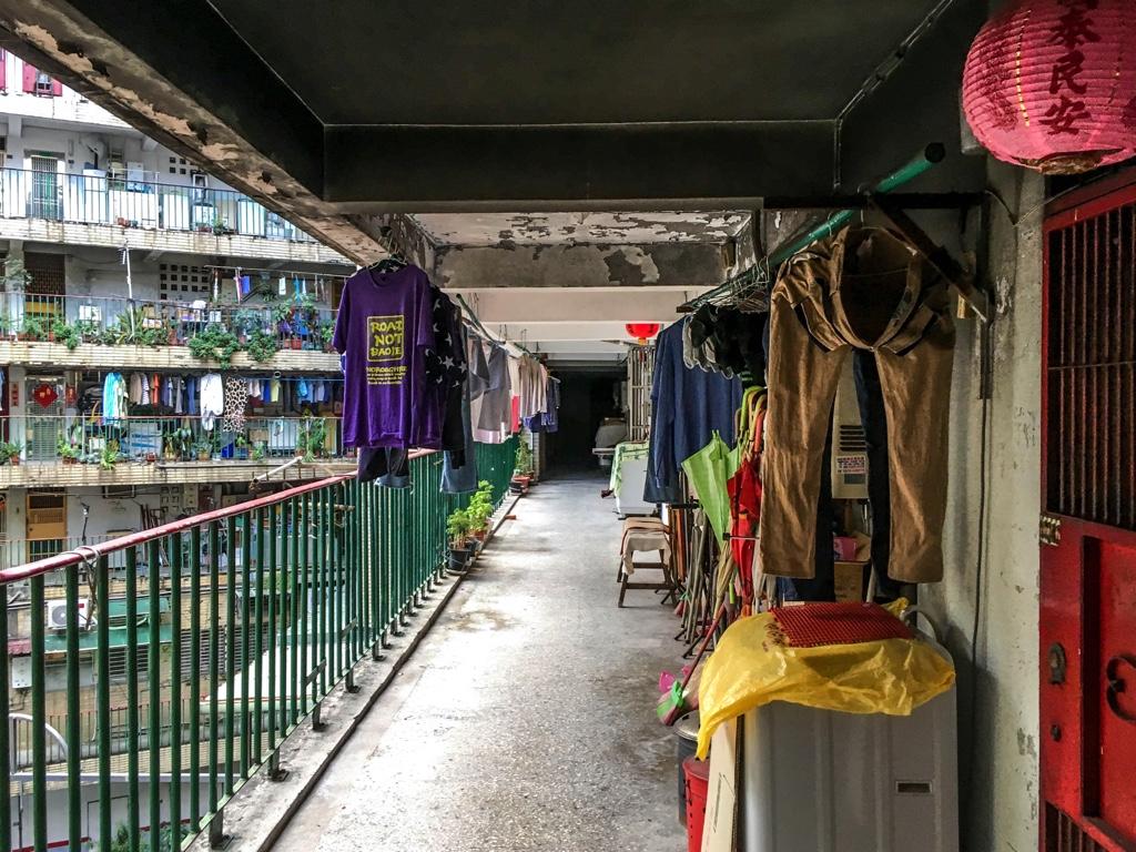 南機場公寓一期の廊下