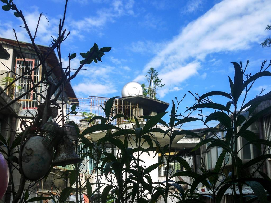 南機場公寓三期の階段から見える空