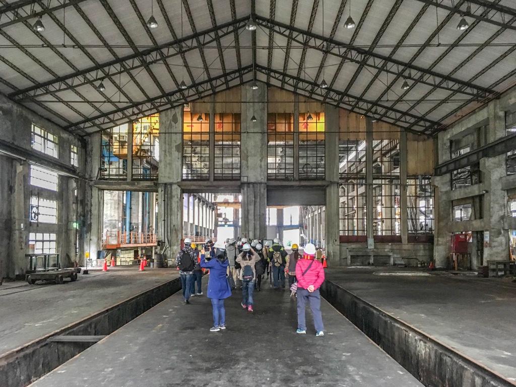 ディーゼル機関車工場内部