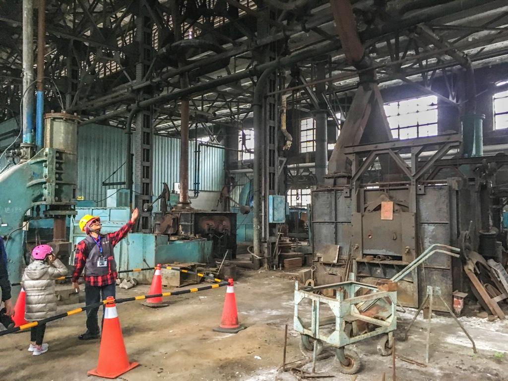鍛冶工場内部