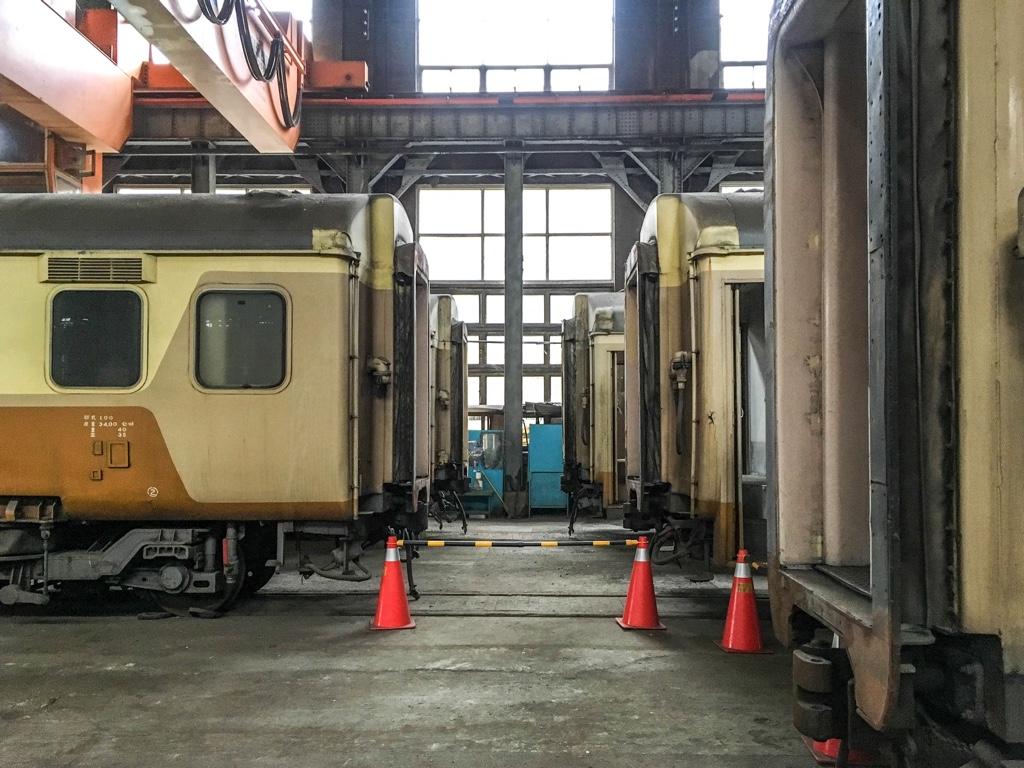 台北鉄道工場の客車工場内部