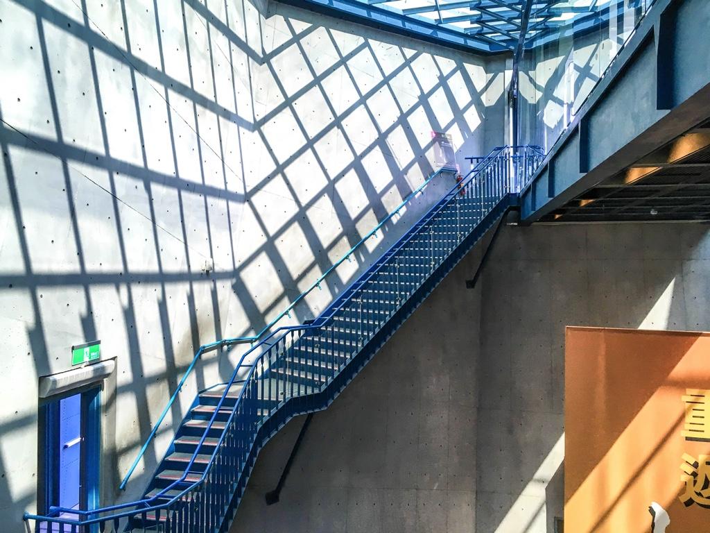 新北市立十三行博物館の階段