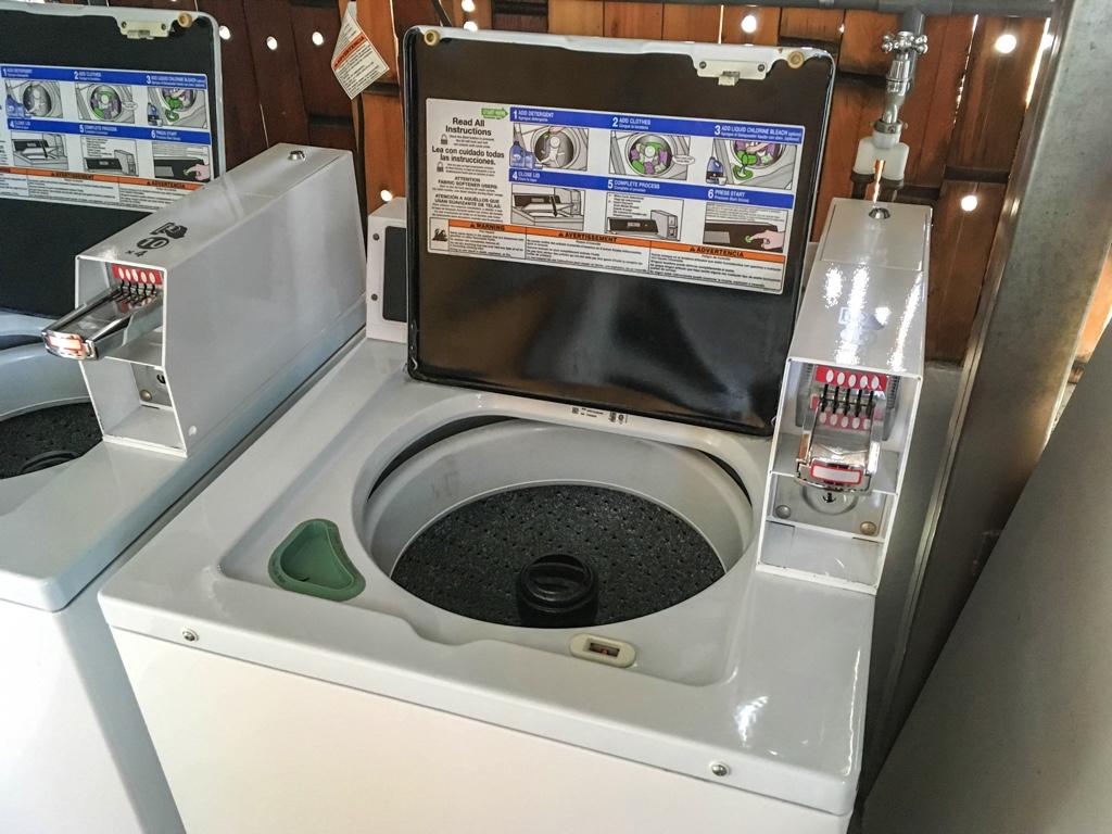 イン投入式の洗濯機・乾燥機