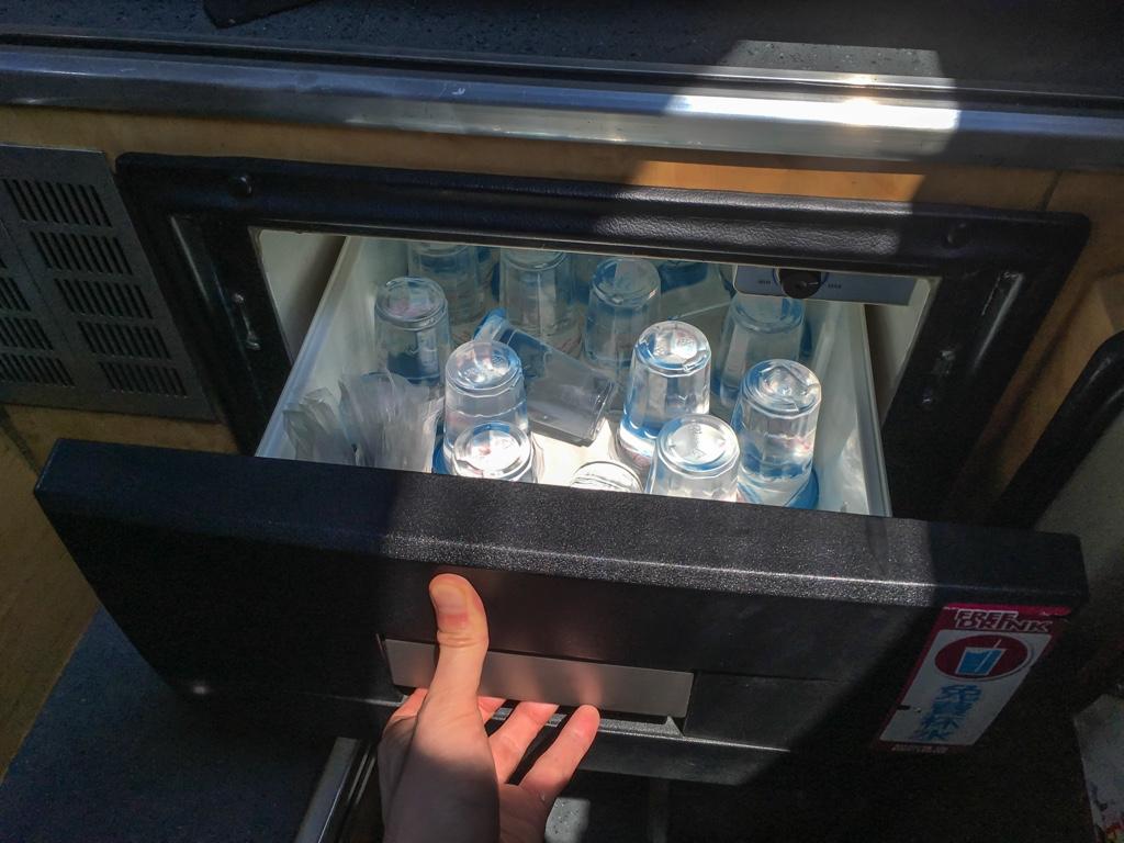 無料提供されている水
