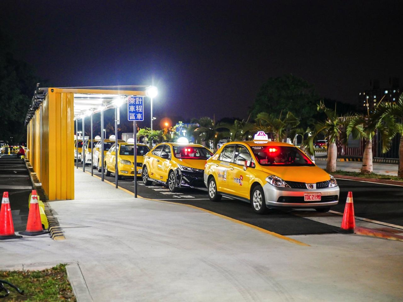 台南バスターミナル横のタクシー乗り場