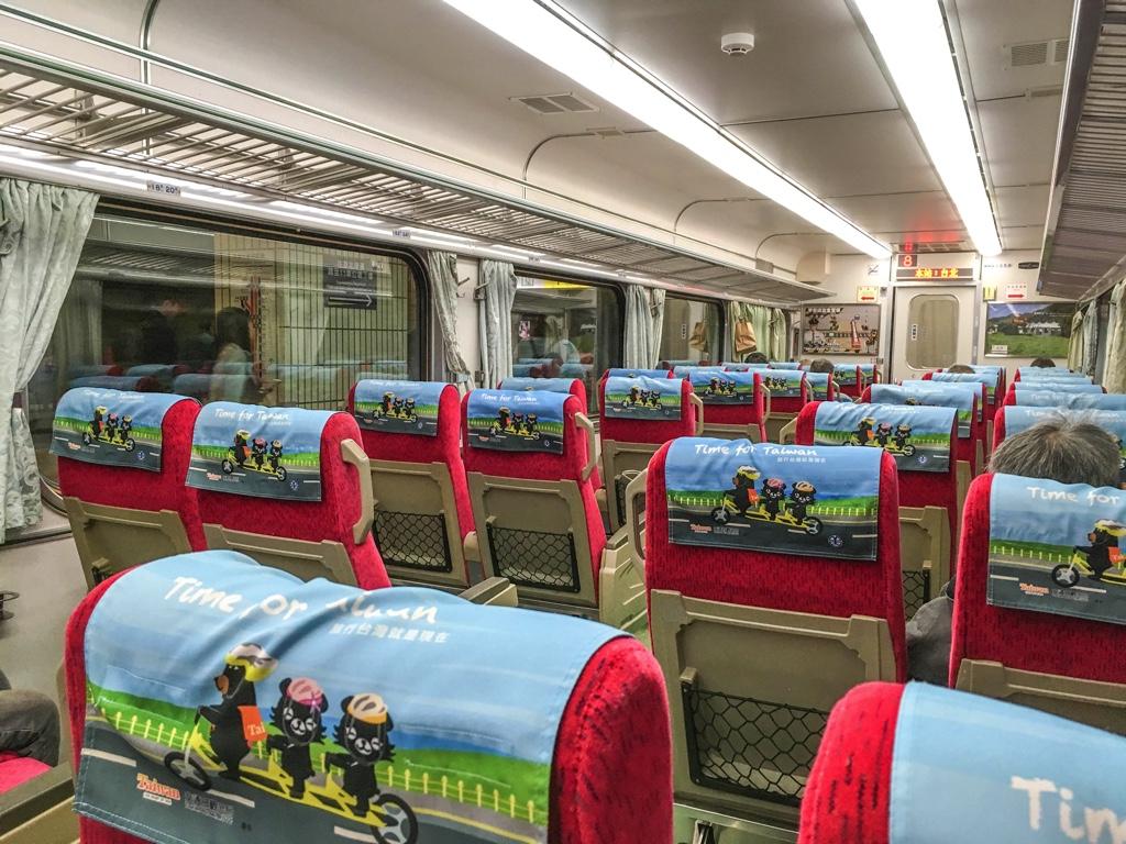 台湾鉄道自強號車内