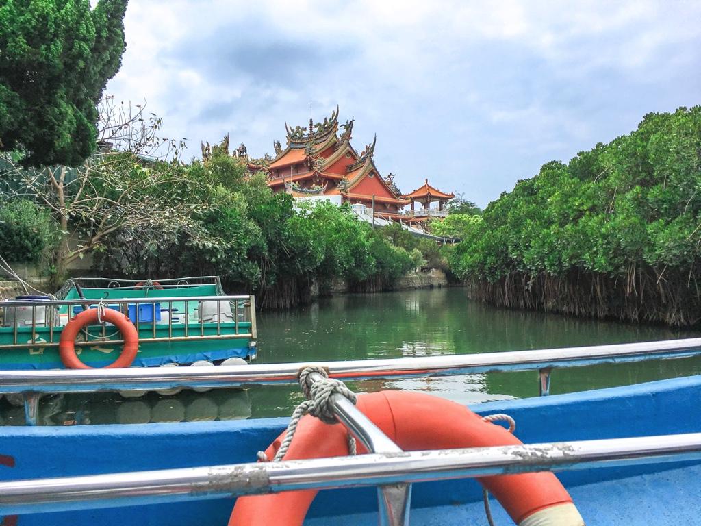 水上から見た四草大眾廟