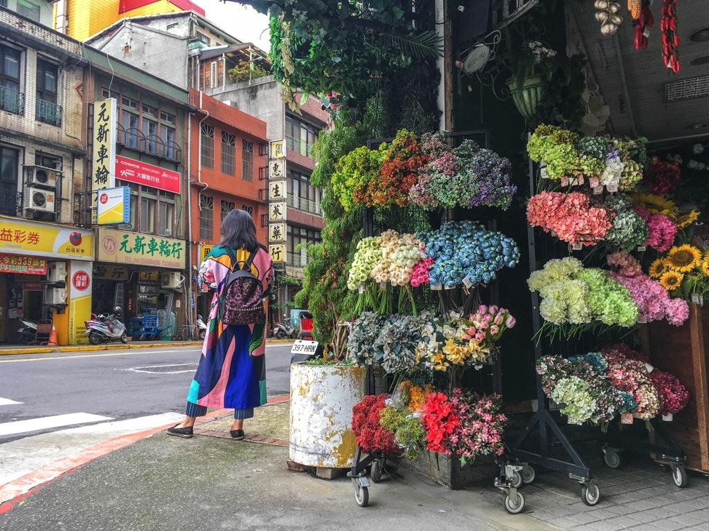 花屋前の交差点
