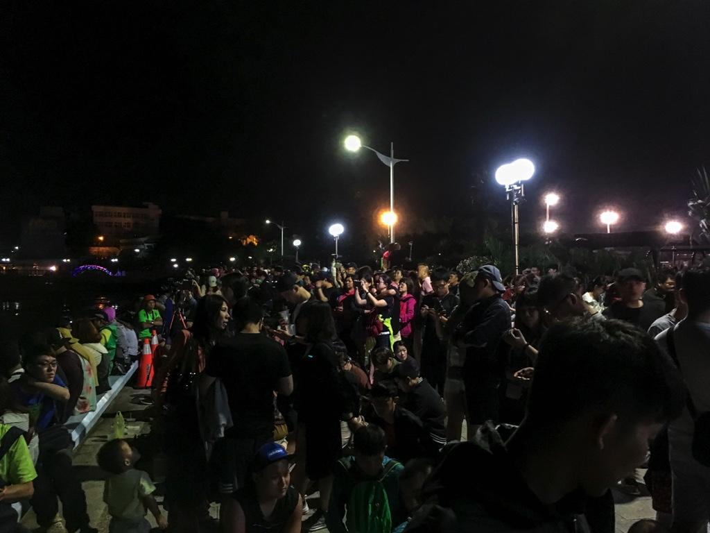 澎湖國際海上花火節に集まった人々