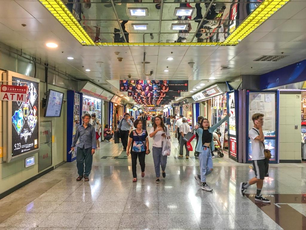 台北地下街 [Y区]の通路
