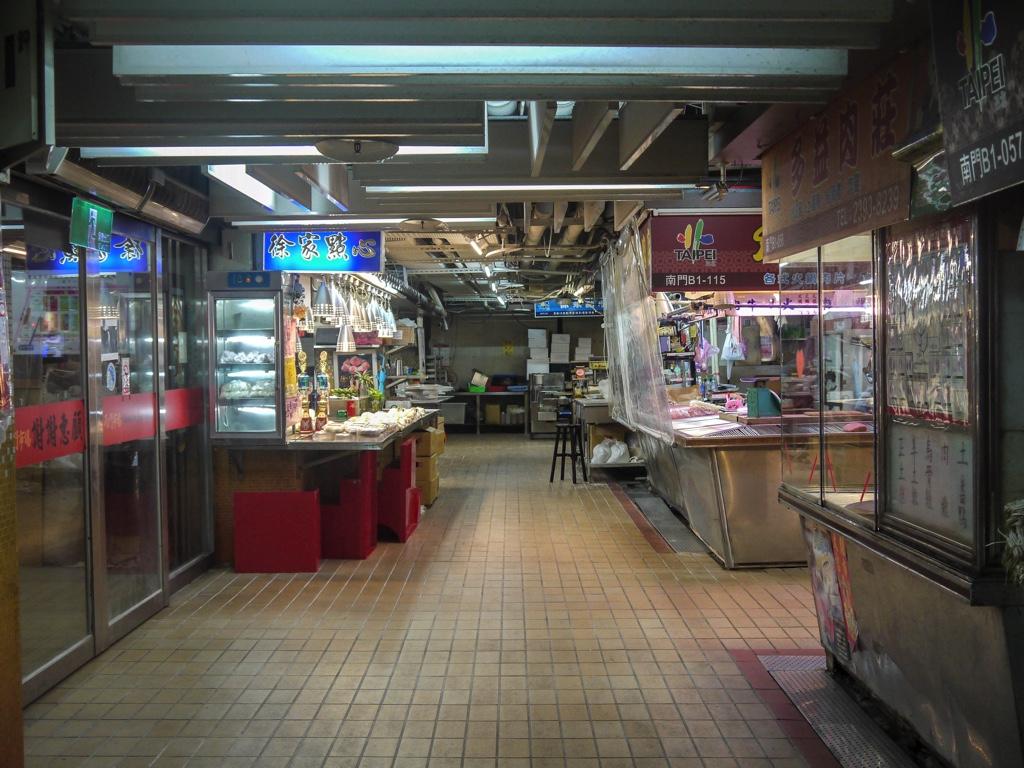 生鮮売場の通路