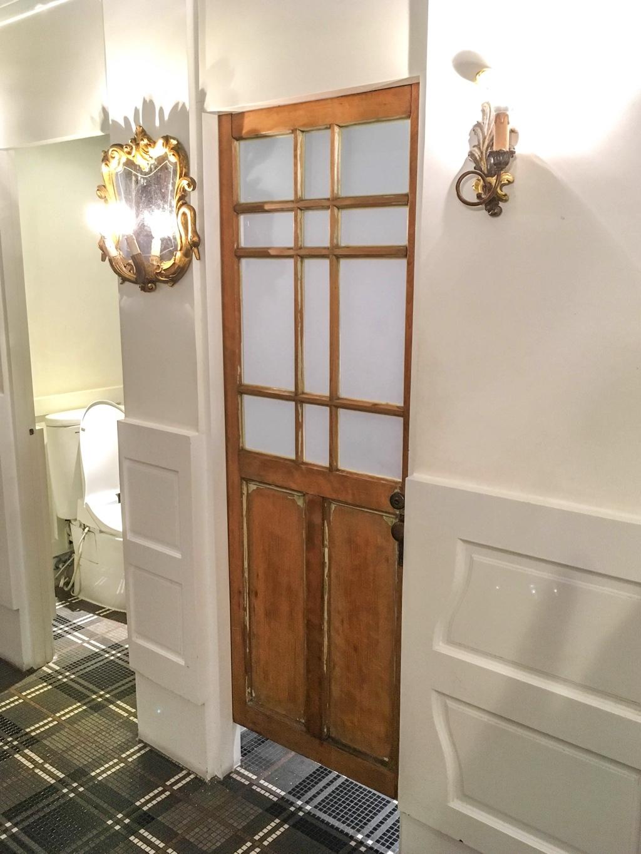 第四信用合作社のお手洗いの個室