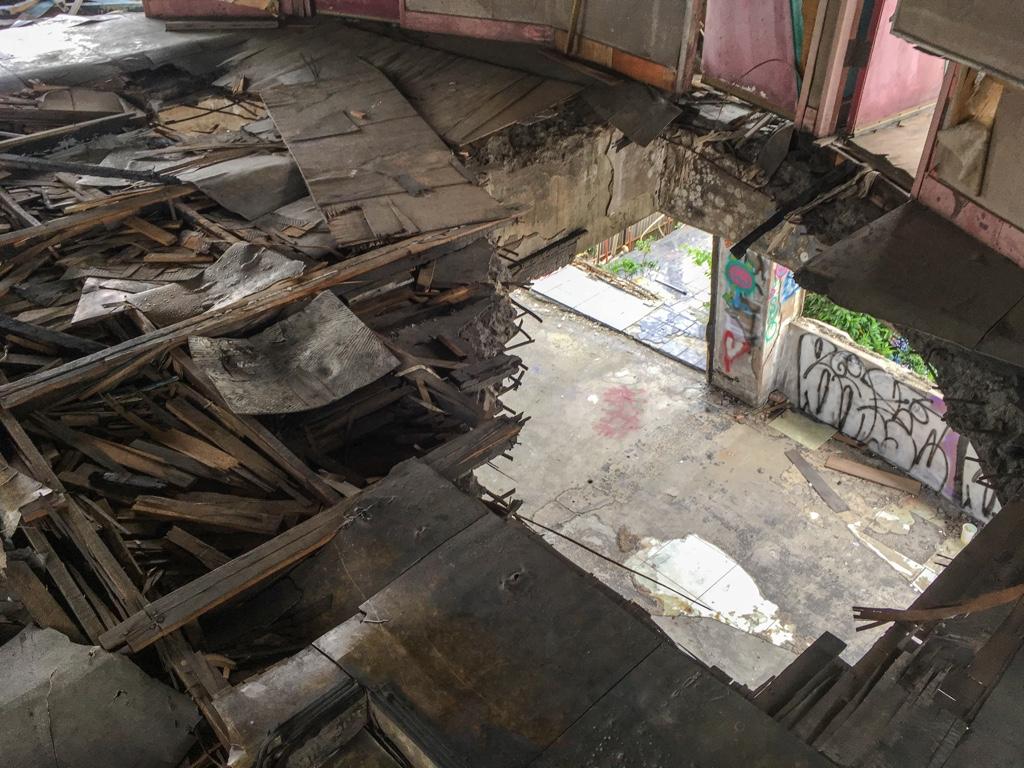 千越大樓の屋上にある円盤型の建物3階の床