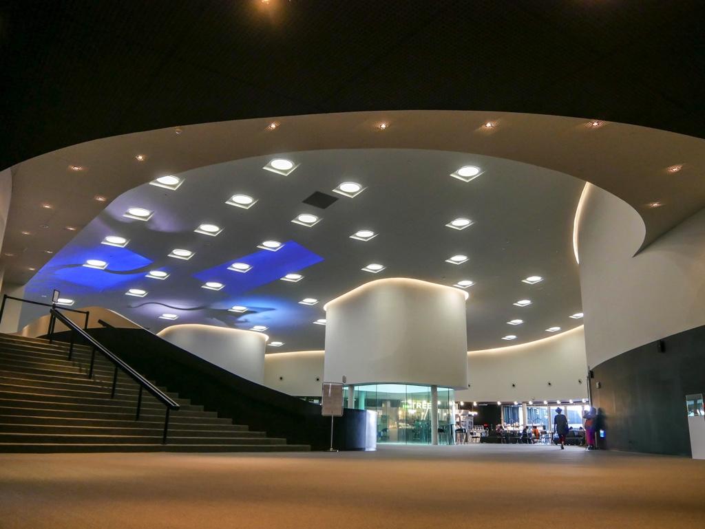 衛武營國家藝術文化中心のクラウンホール