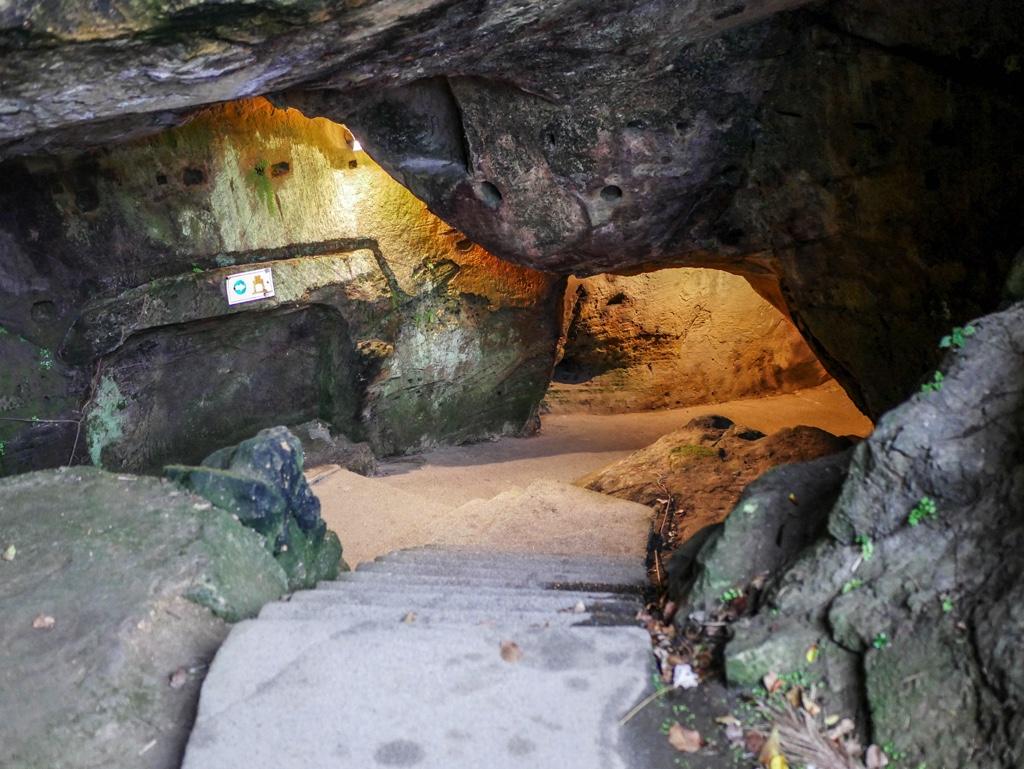 佛手洞の入口
