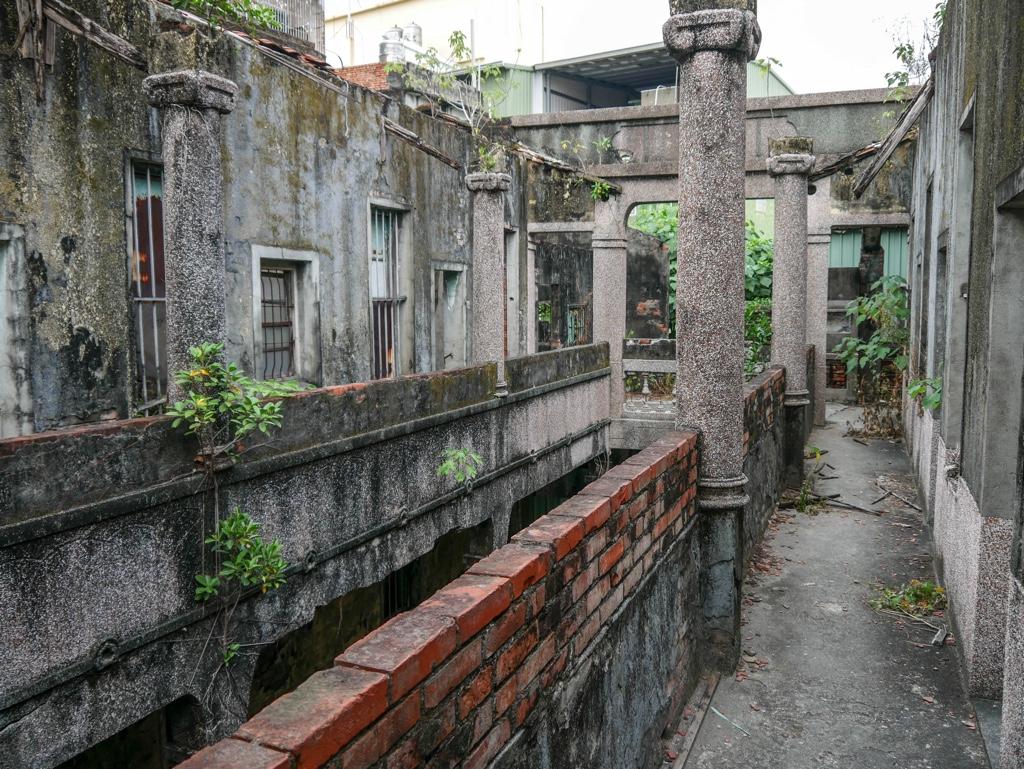 林園安樂樓の石柱