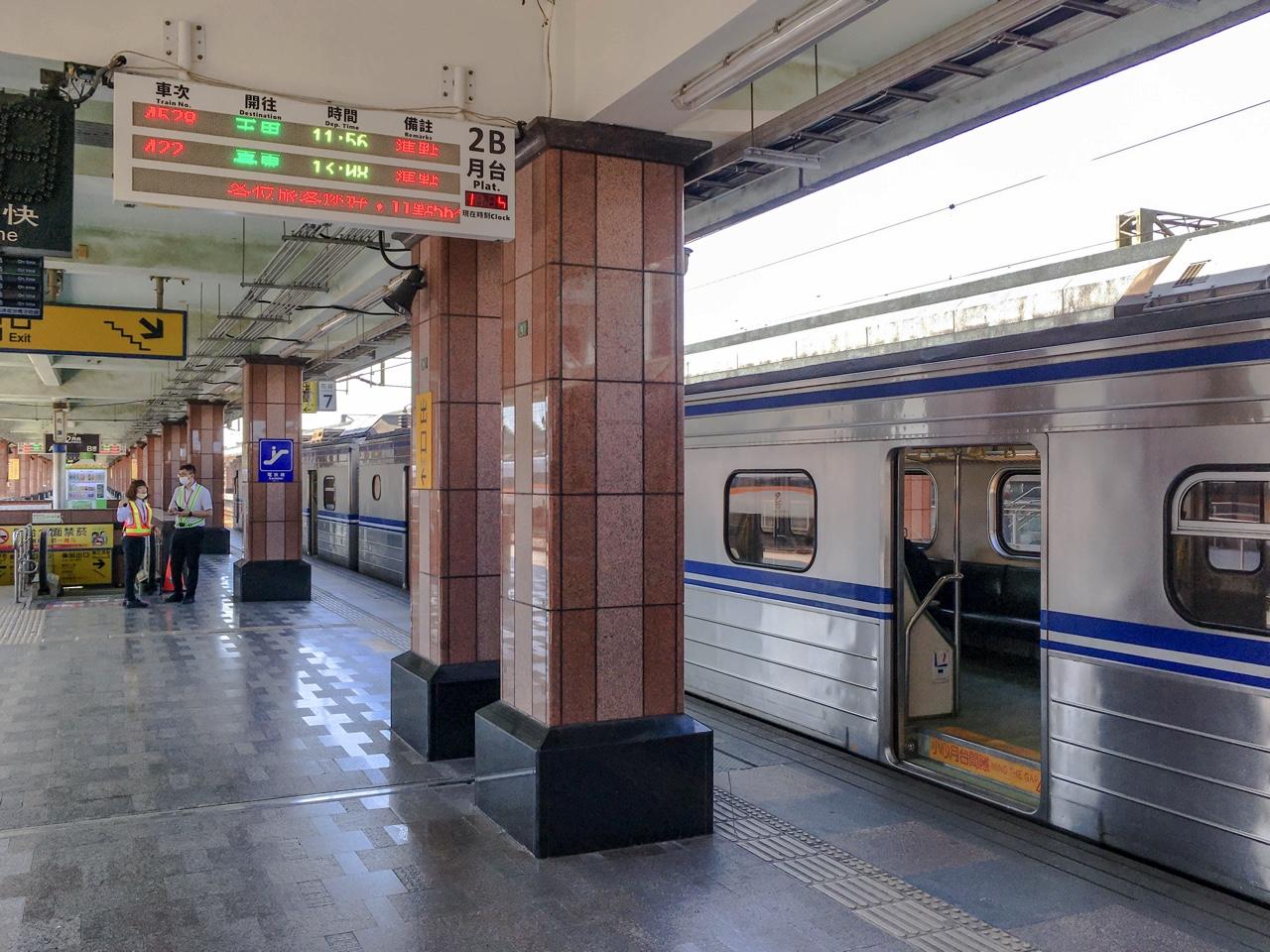 花蓮駅に停まった台湾鉄道