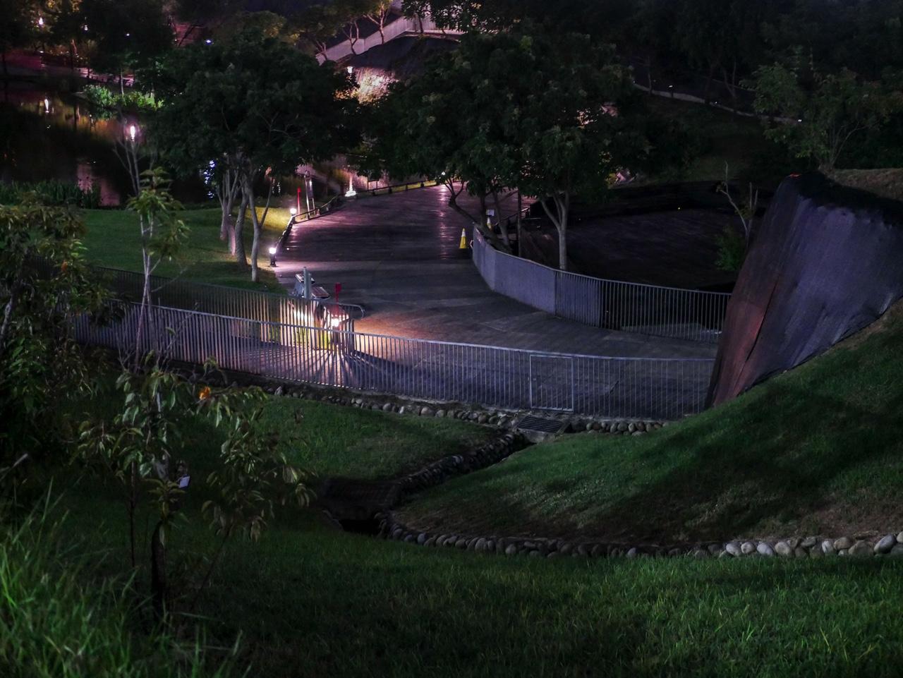 秋紅谷廣場の夜景12