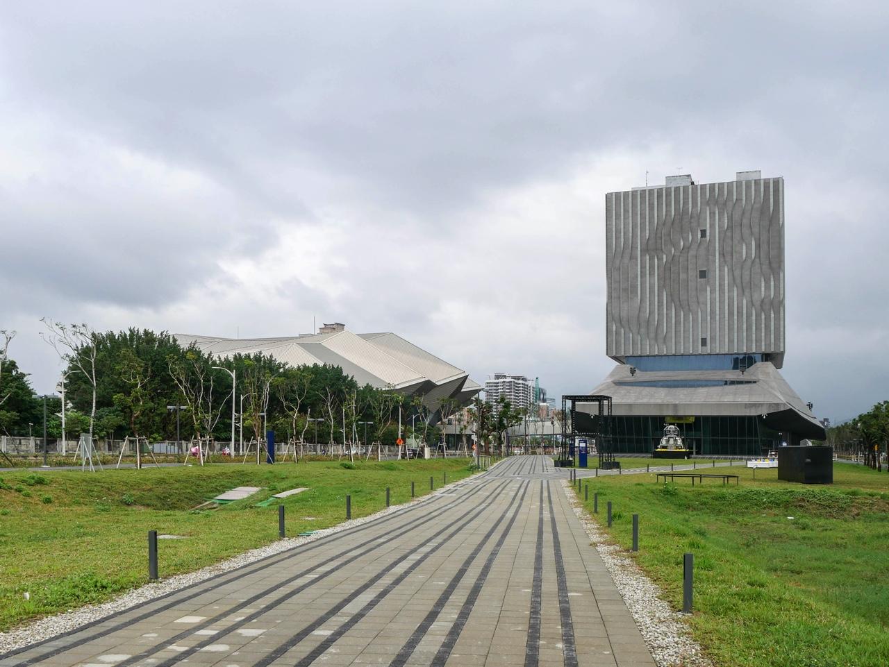 台北流行音樂中心のコンサートホール(主廳館)と流行音樂文化館