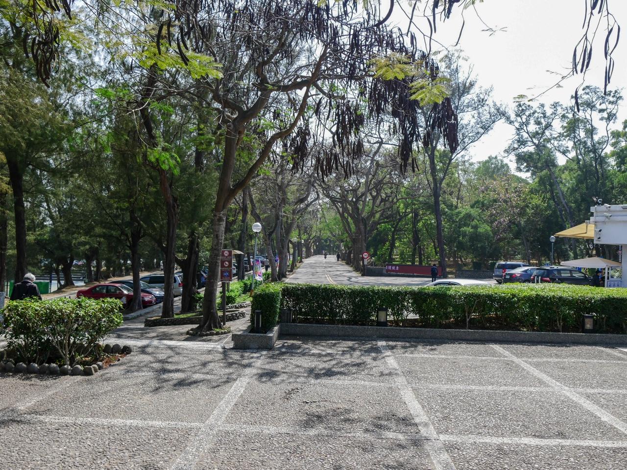 東海大學の正門から入ってすぐの様子