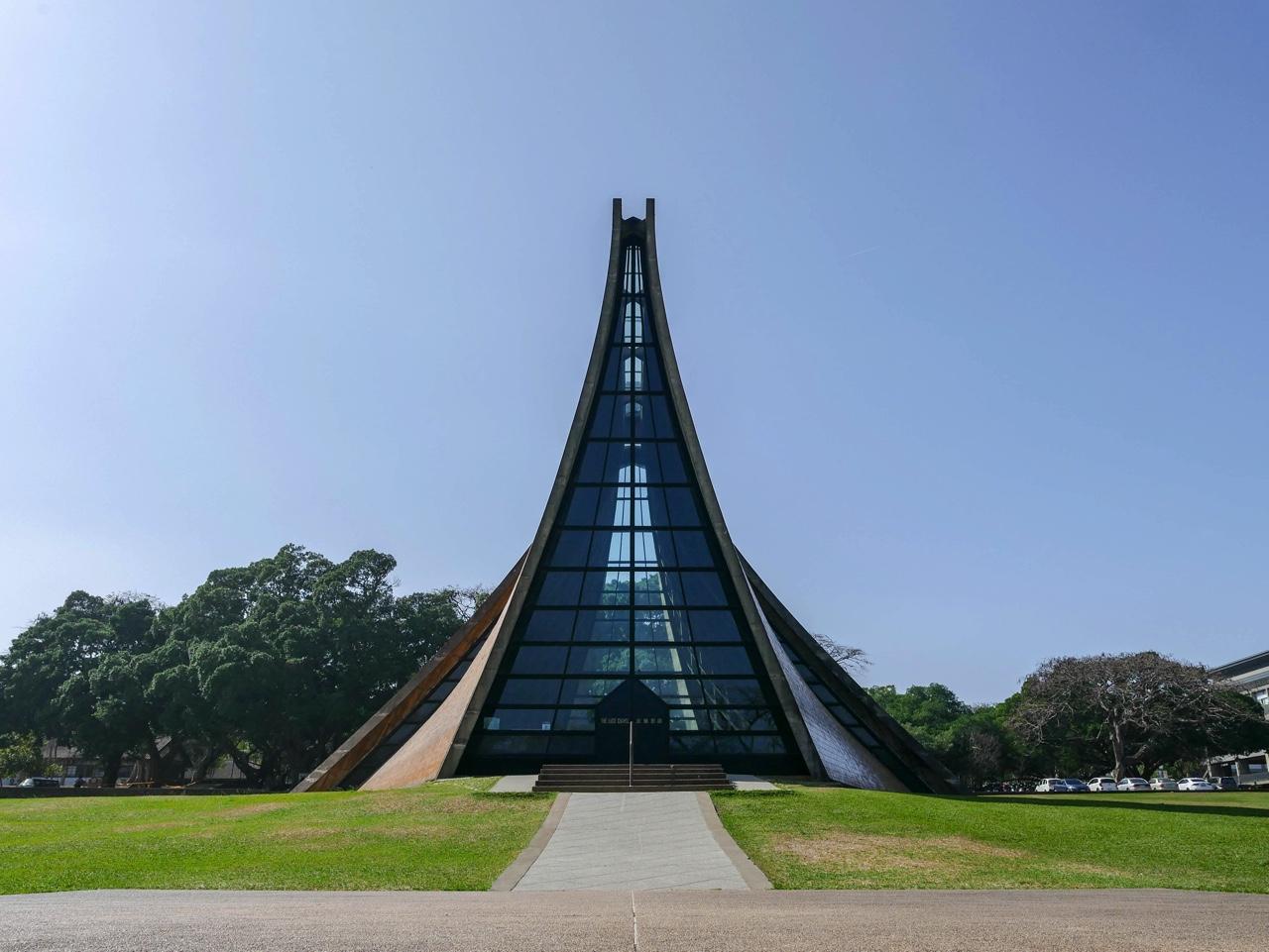 路思義教堂の外観