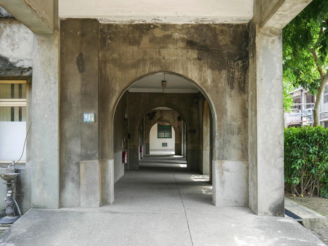 雅堂館の通路